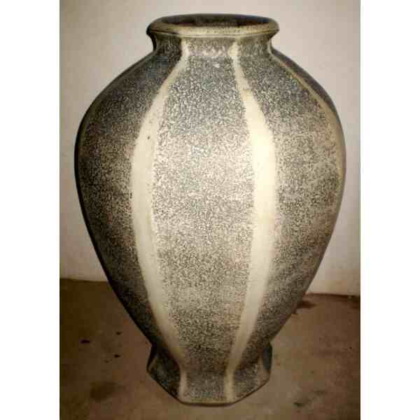 Váza velká osmihranná 105 kg